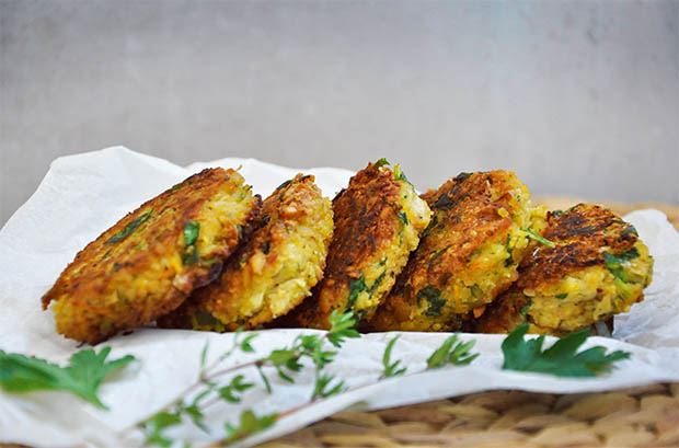 Chiftelute-de-naut-Falafel-Chickpea-Patties-Oriental-Recipe